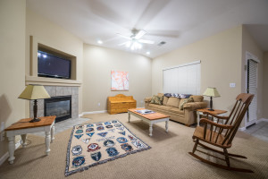 How to Prepare Your House for Rental Photos ? - Family Rooms
